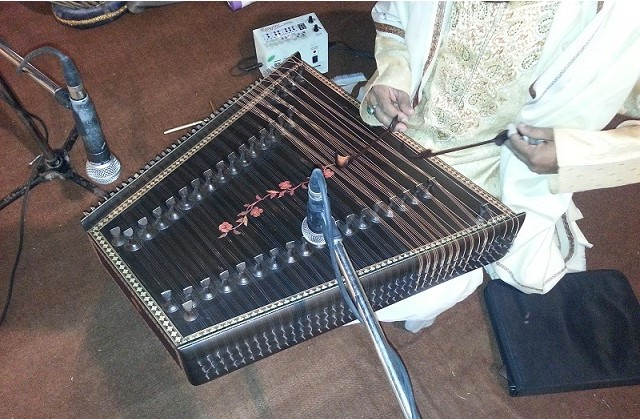 santoor player tabla sitar sarangi jaltarang